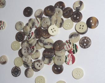 sets of 80 mixed buttons