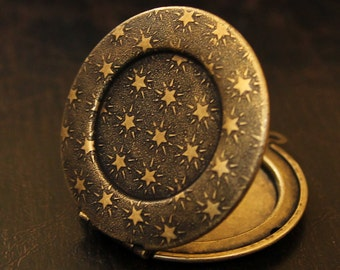 Round Brass Locket - Stars Texture Design - Antique Gold Finish - Perfect for DIY Photo and Art Jewelry