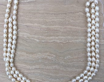 Lustrous White Freshwater Rice Pearls 8-9mm
