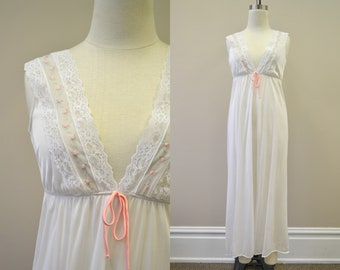 1970s Dreamaway White Nightgown