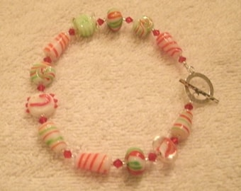 Candy Cane Red and Green Holiday Lampwork Glass and Crystal Bead Bracelet
