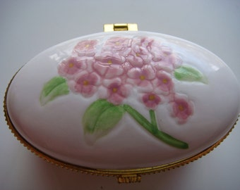 Lovely Porcelain Ring Box