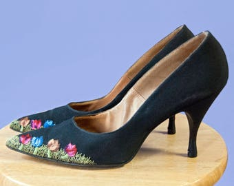 50s Custom Made Ricardo Pappina New York black floral embroidered stilettos | size 6.5N