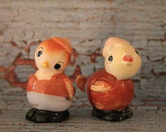 Vintage Chicks Salt & Pepper Shakers