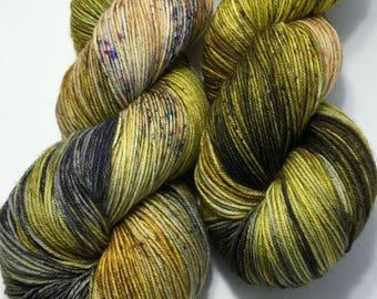 Hand dyed sock yarn, superwash merino & nylon, 463 yds / 100 grams. Great for knitting, crocheting, weaving.