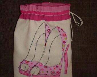 Storage pocket for shoes