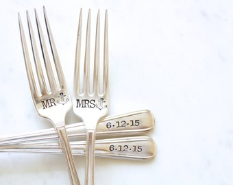 Mr and Mrs Forks with anchors - Wedding Cake Fork Set  - Hand Stamped - Nautical Wedding - the perfect gift for that beach loving couple