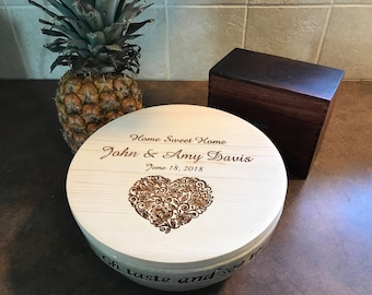 Engraved Ceramic Bowl with Wooden Lid
