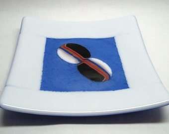 CIG2334 - Fused Glass Plate - Blue & White w. Inlays