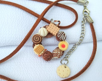 Christmas cookies jewelry Cute wreath pendant Mini cookies jewelry Miniature food Polymer clay miniature Bakery jewelry Christmas food