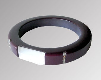 Purple and White Lucite Bracelet with Rhinestone Accents / Bangle Bracelet / 1950s Bracelet