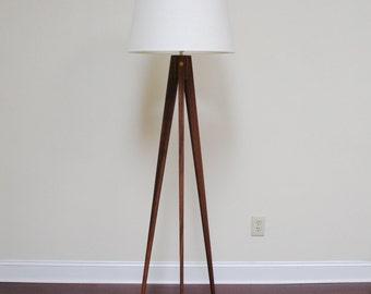 Floor Lamp Tripod Slim - Walnut