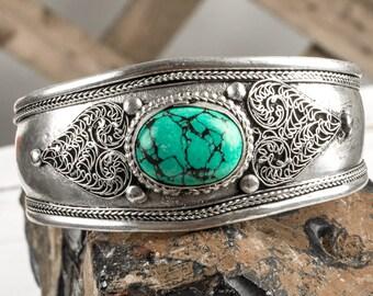 Heart Bracelet, Turquoise Cuff Bracelet, Healing Bracelet, Gemstone Bracelet, Turquoise Bracelet, Silver Cuff Bracelet