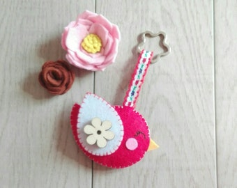 keychain, felt keychain, keychain with little bird, key ring, felt key ring, bird felt, felt, flower, wood flower, mother gift, red, white