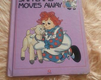Vintage raggedy Ann book