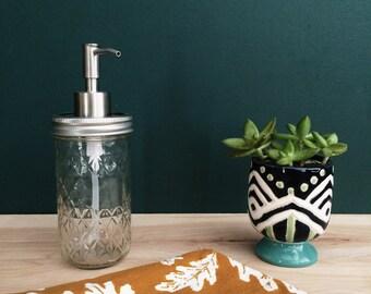 Clearance - Free Shipping -  Mason Jar Soap Dispenser (12oz) Farmhouse Kitchen - Gift For Her