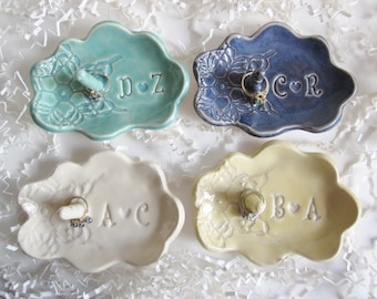Ring holder dish, Best Bridal shower gift, Bride to be gift, engagement gift for her, Ceramic dish, Made to Order