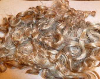 Prime Kid Mohair wool locks hand picked and seperated, colour champagne blonde ,RM-8
