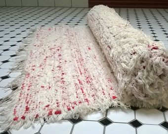 Vintage Red and White Rag Rug, Handmade in Finland in the 1980's, Floor Mat, 82 cm x 196 cm