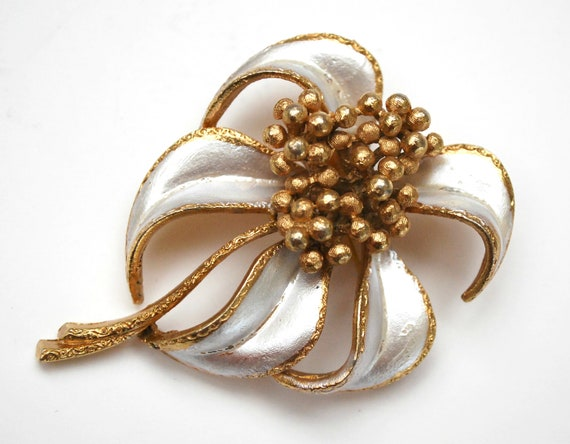 Coro Flower Brooch Off white Enamel  gold Mid Century  floral pin