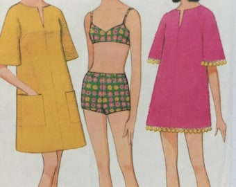 ON SALE 1960s Bathing Suit, McCall's 8811, Beach Cover Up, Beach Coat, Two Piece Swimsuit, Kimono Sleeve, Zipper Front, Patch Pockets, Cut,