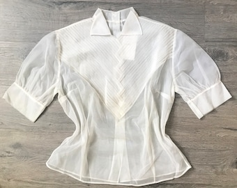 STUNNING 40's Vintage Pintuck Detail Sheer Mesh Short Sleeve Cream/Off White Collared Blouse with Button Up Back , Women's Size Med - Large
