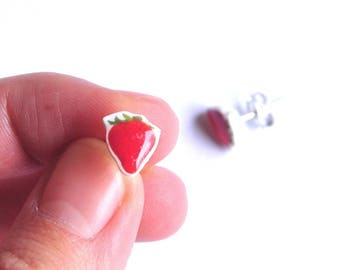 Small Stud Earrings vintage red Strawberry pop Fimo