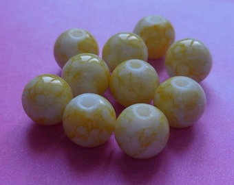 Set of 10 yellow marbled glass 8mm beads