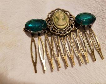 Elegant Sage Cameo green beaded hair comb