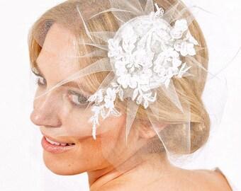 JULIETTE - French Lace, Petals, Veil