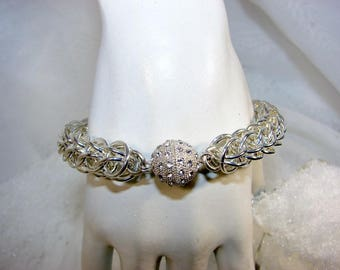 Double Persia, bright silver plated and magnetic clasp 2 link bracelet.