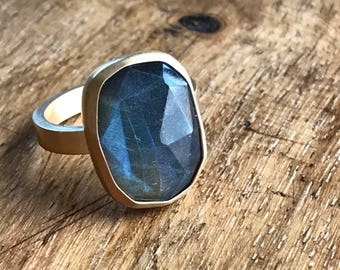 Labradorite freeform rose cute ring with rectangle band. 14k gold plated sterling.