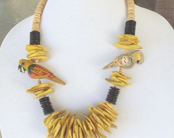 "Vintage Wood Chunky 22"" Necklace, Yellow,Brown,Tan Beads, 2 Carved Wood Parrots,Brass Screw-On Clasp,Excellent Vintage Condition,VJ2000N"