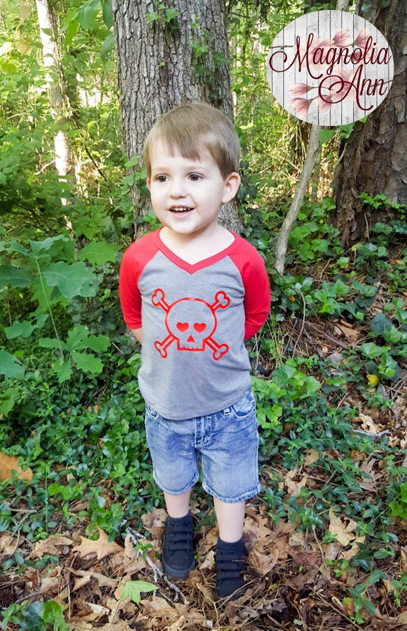 Skull Head with Hearts Infant Baby V-Neck Baseball Raglan T-shirt in 5 Colors in Sizes 6 Months-24 Months