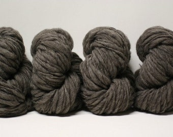 Handspun Thick and Thin Yarn Charcoal Grey Shetland Wool Slub  tts(tm) Bulky