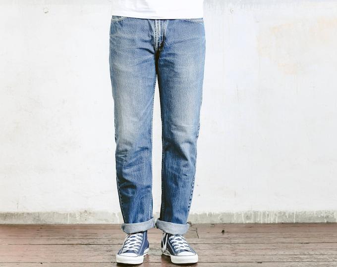 Vintage Levis 581 Jeans . Denim Worn In W34 Dad Boyfriend Jeans Straight Leg High Waist . size W34 L32