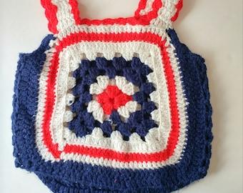 des années 1970 fait main gilet tricot fille gilet rétro de la jeune fille. Vêtements