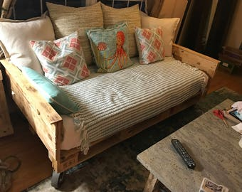 Industrial Pallet Daybed