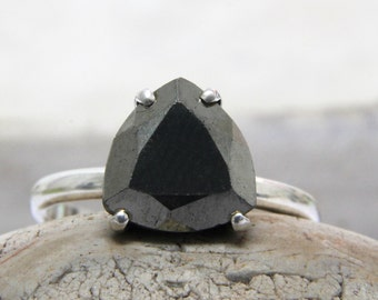 SUMMER SALE - Pyrite ring,silver ring,triangle ring,trillion ring,gray ring,semiprecious ring,silver gemstone ring