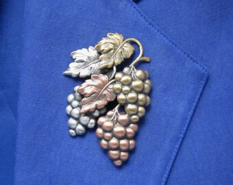 Grapevine Brooch- Wine Lover Gift- Wine Tasting- mixed metal jewelry