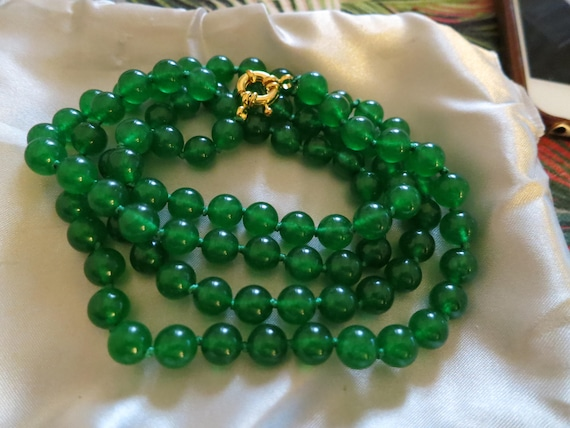 Lovely 8mm natural green jade knotted longline necklace 36""