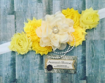 Yellow maternity sash, gender reveal sash,yellow maternity sash for baby shower, yellow mom to be sash for baby shower