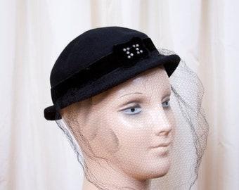 ON SALE 1930s Hat // Black Felt Tilt Hat with Rhinestone Buckle and Veil