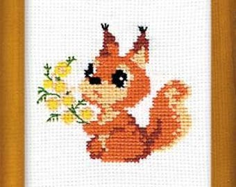 Small Squirrel - Cross Stitch Kit from RIOLIS Ref. no.:579