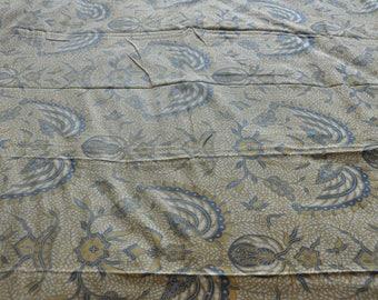 "Ethnic ""Lawasan"" vintage-old Jogyakarta Indonesia Java batik fabric"