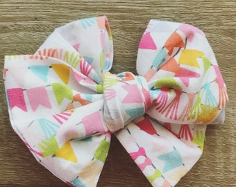 Banner Large Twirl Bow