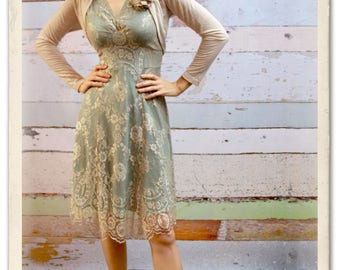 1940s vintage style lace dress in platinum and reef