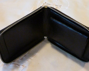 Vintage Zippered Wallet  ~ Black Pebbled Leather Wallet - Change Purse  - Gift for Anyone ~ Minimalist Money Holder