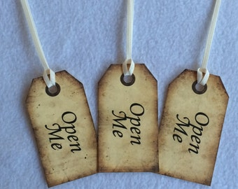 Open Me - Alice in Wonderland Inspired tags, wedding favours, party favours gift tags, set of 10