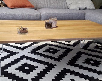 Coffee table solid wood and feet pins